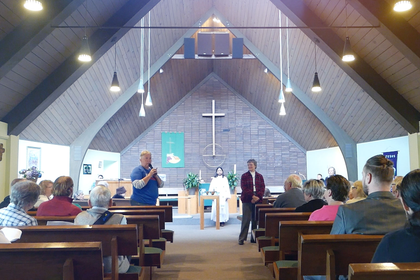 Worship service at Faith Lutheran in Everett, WA